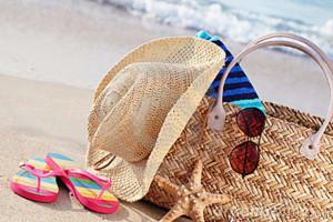 summer-beach-bag-sandy-beach-17555462